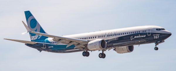Пилоты обучались управлению Boeing 737 на планшетах, выяснила NY Times