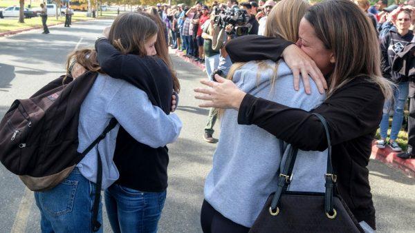 Santa Clarita高中枪击事件2人死亡 嫌犯重伤