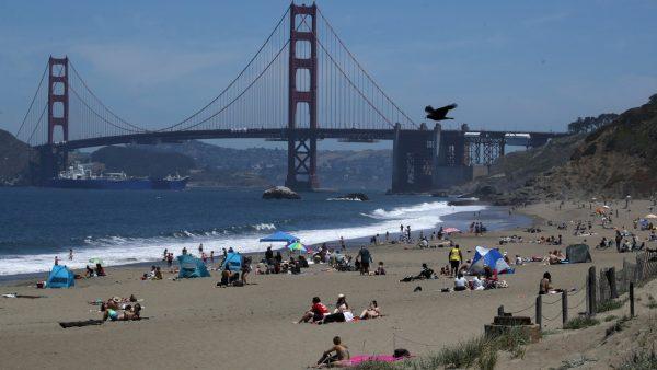 加州新冠病毒传播风险级别下降